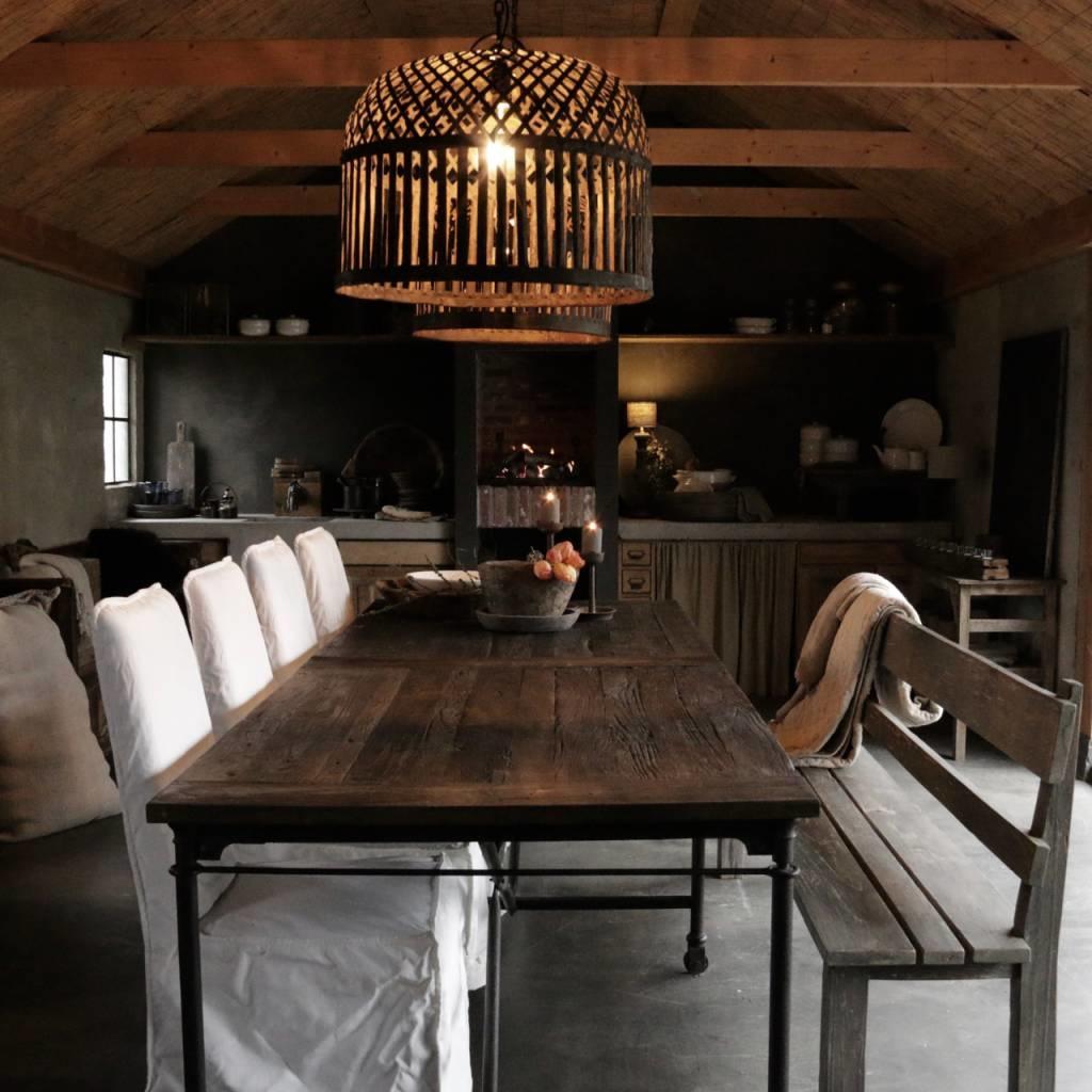 Grote eetkamer tafel met donker driftwood blad en ijzeren onderstel-7