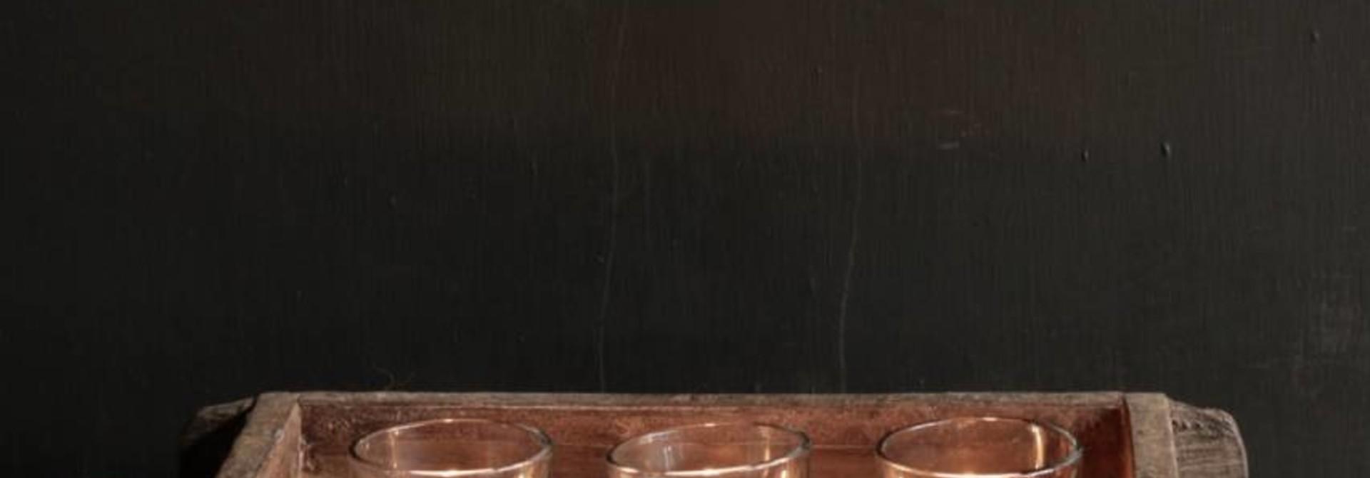 Authentieke houten Steenmal  inclusief  drie waxine  glaasjes