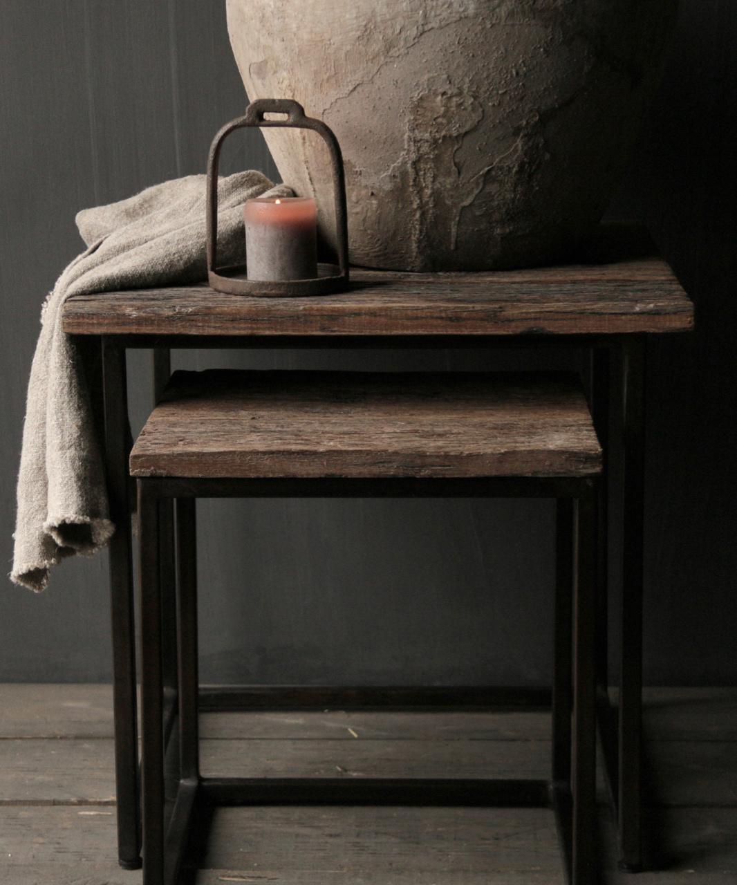 Set van twee  Driftwood  houten bijzettafeltjes met stalen onderstel-4