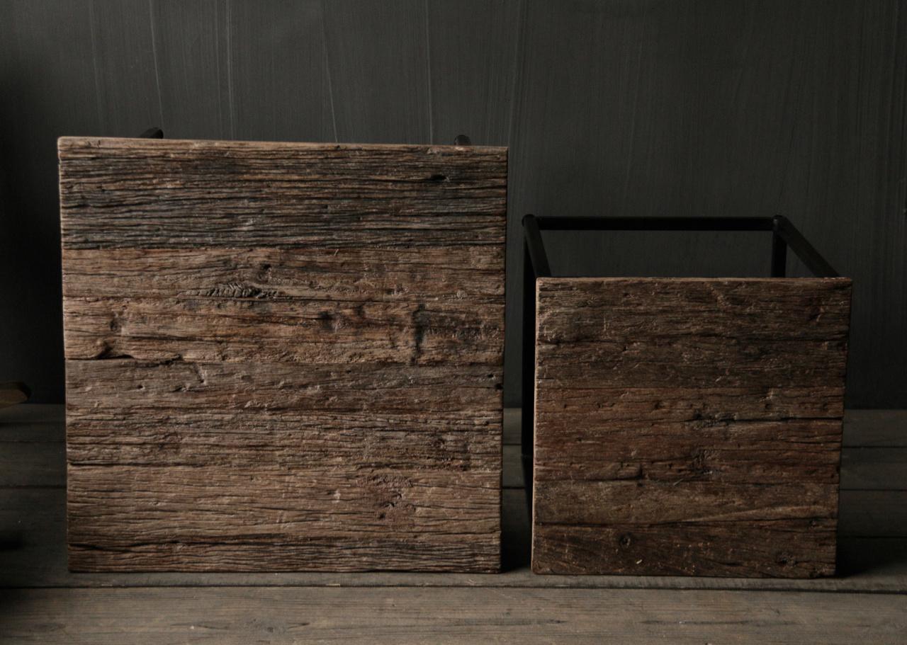 Set van twee  Driftwood  houten bijzettafeltjes met stalen onderstel-5