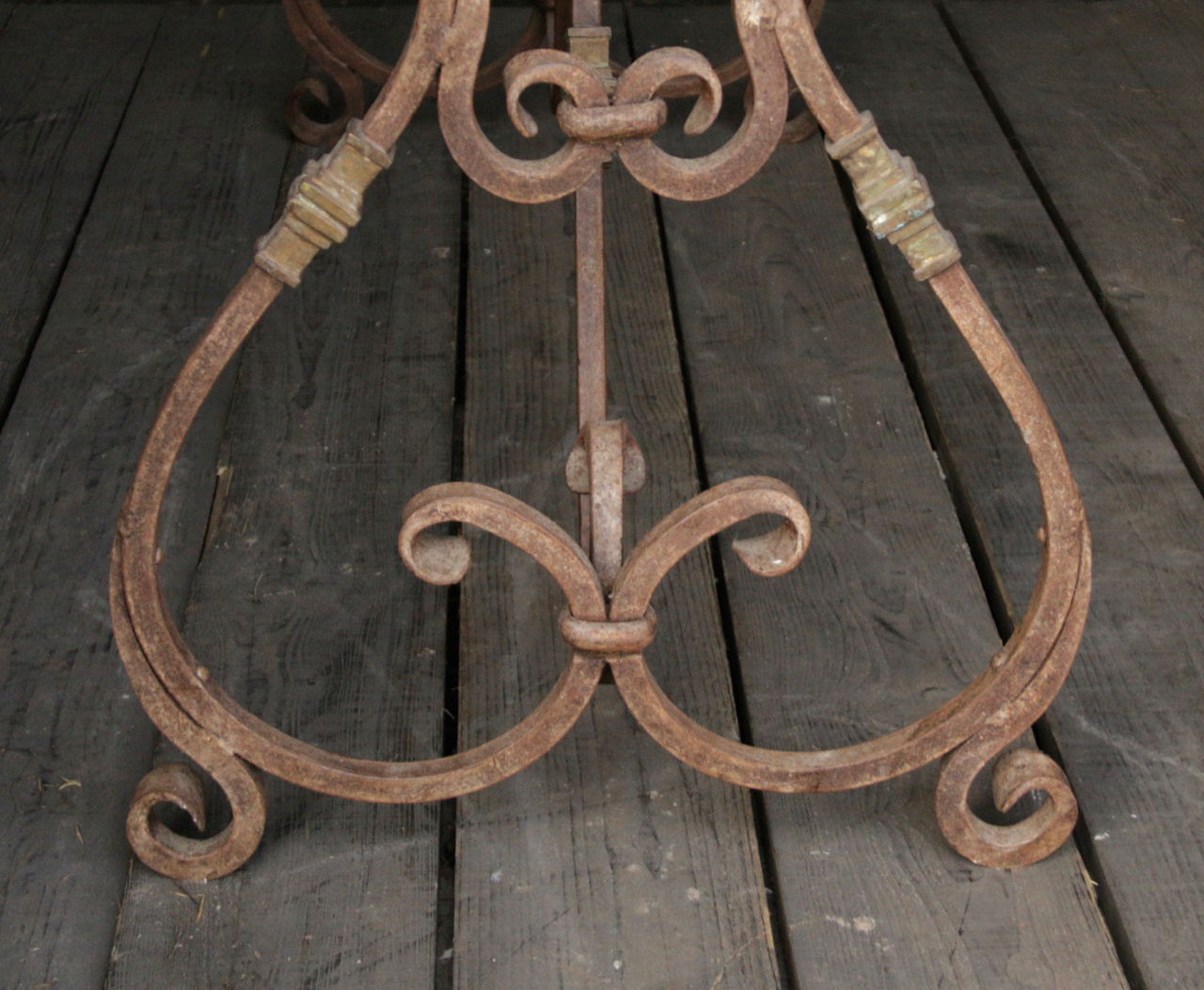 iron table frame French model with curls-5