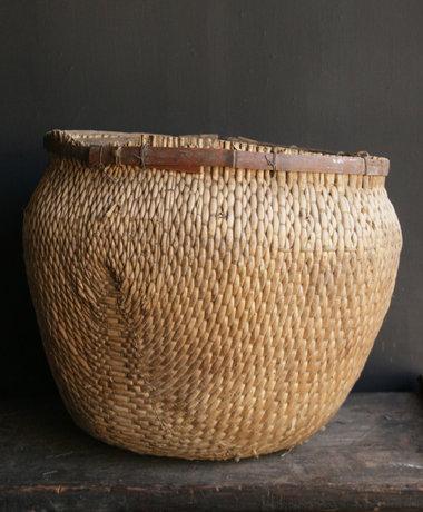 Aura peeperkorn Einzigartiger alter authentischer großer Weidenkorb