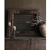 Aura peeperkorn Stoer zwaar ijzeren  raam in houten kozijn