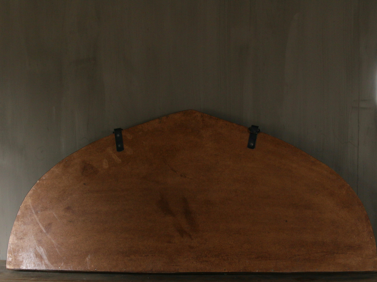 Mirror of sturdy wooden Indian window frame in the shape of a triangle-2