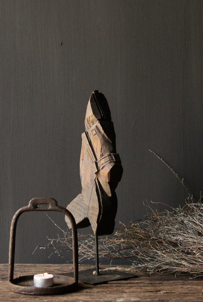 Prachtig houten paardje op ijzeren standaard