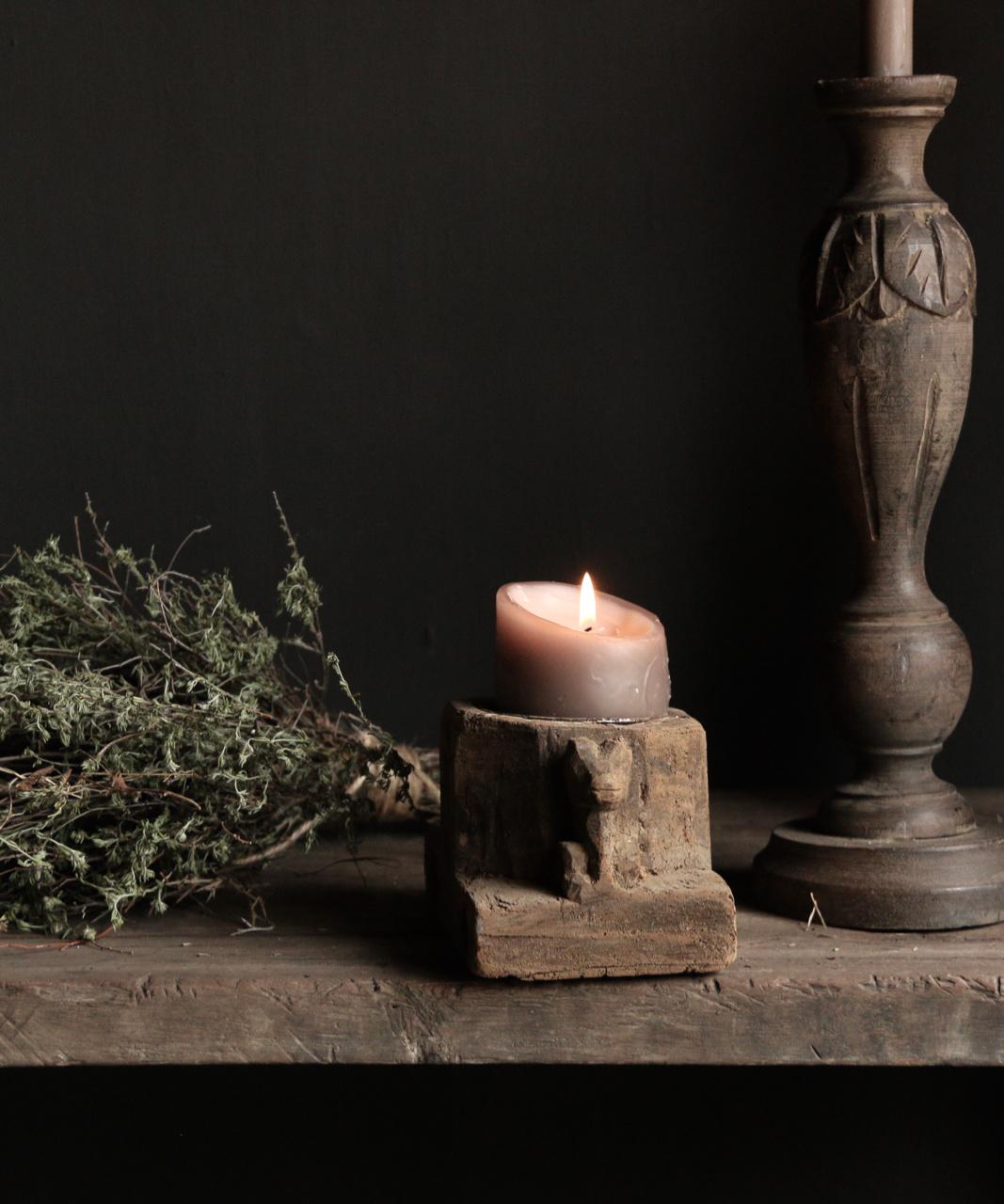Kandelaar van oud ornament-3