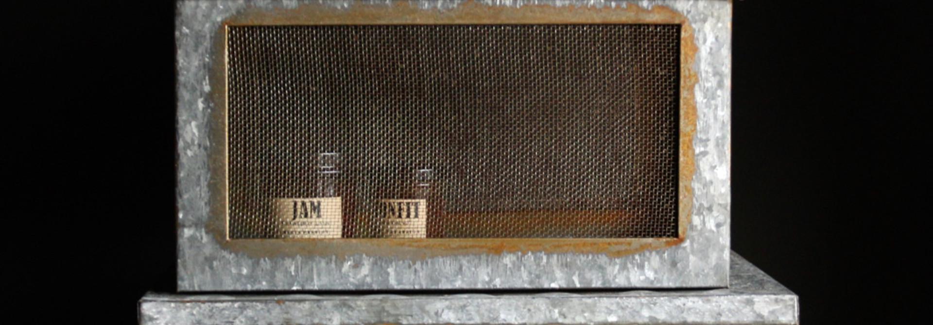 Zinc box with mesh