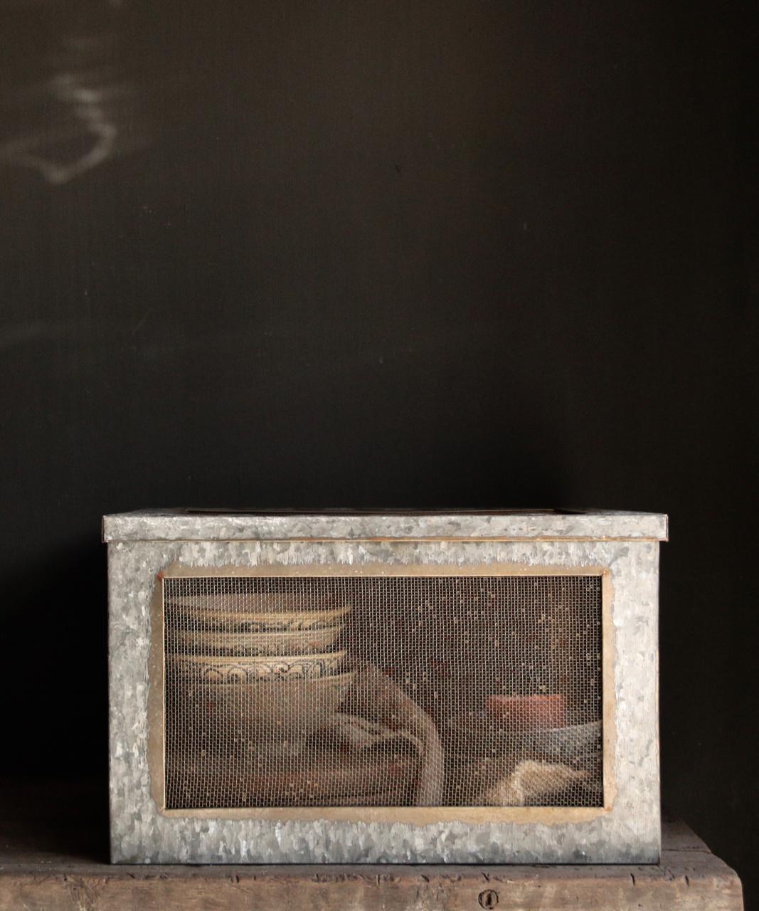 Zinc box with mesh-2