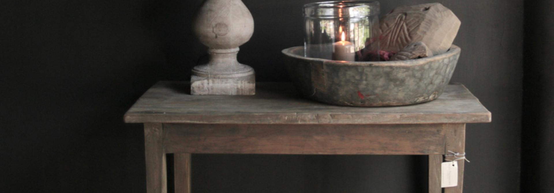 Oud Authentiek stoer klein driftwood  houten tafeltje