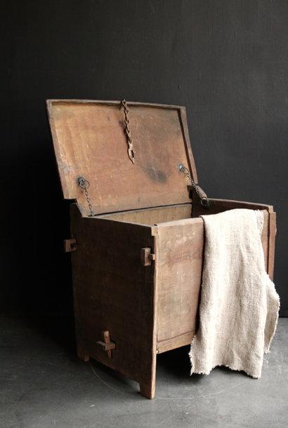 Stoer oud Himalaya   Kistje / Boxje