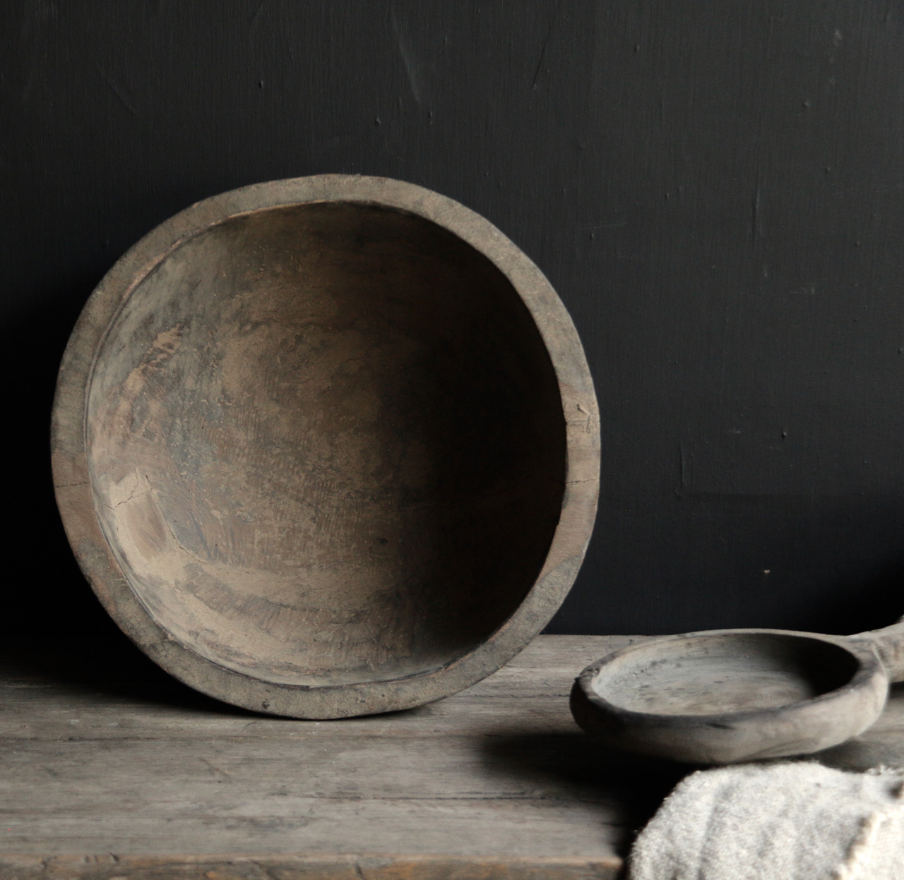Tough old wooden Nepalese bowl-3