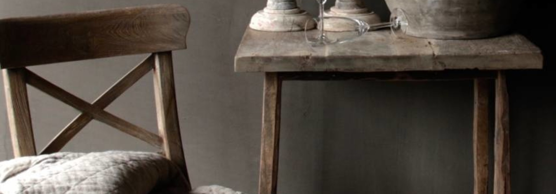 Vergrijsde Teak houten kruis stoel
