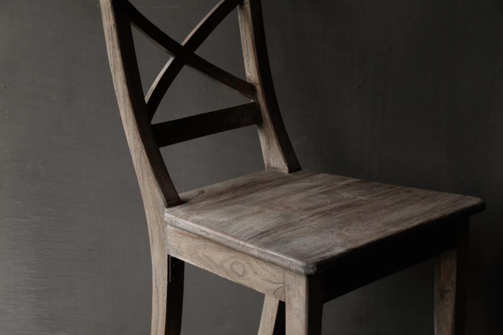 Vergrijsde Teak houten kruis stoel-7