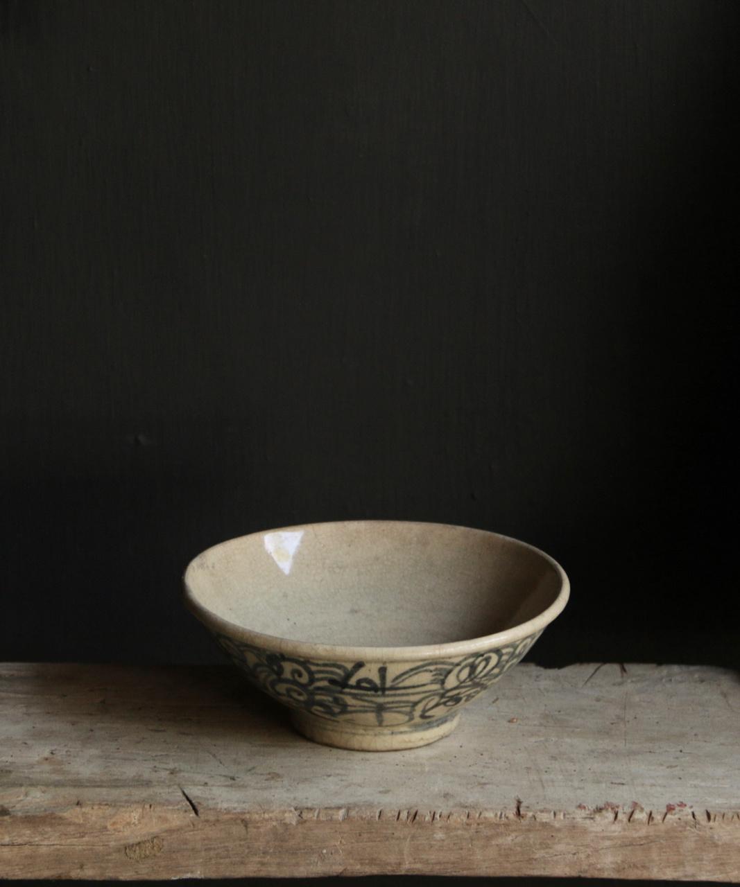Old porcelain bowl-1