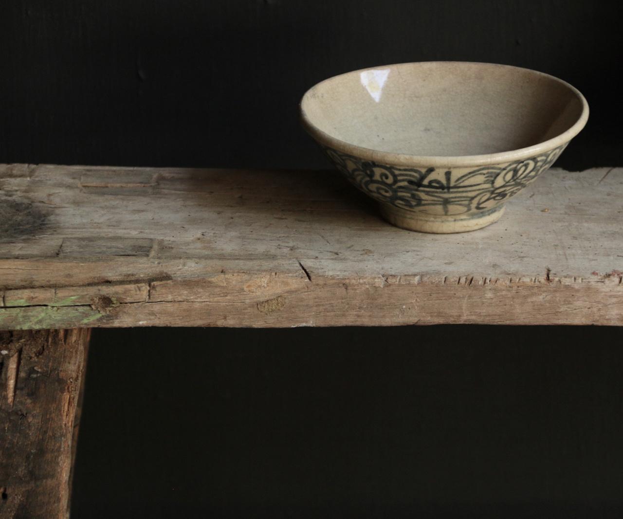 Old porcelain bowl-4