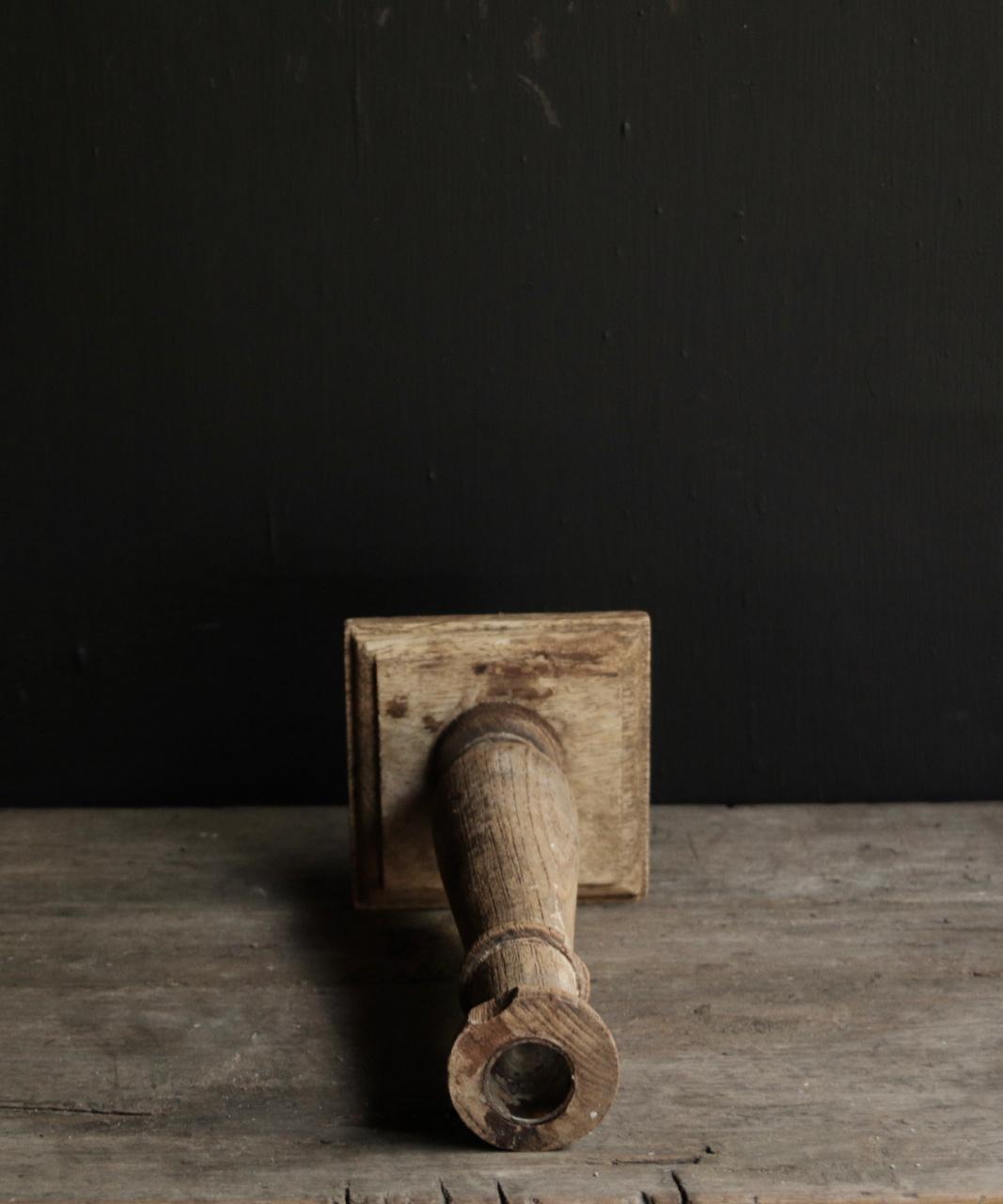 Oud houten Nepalese kandelaar-4