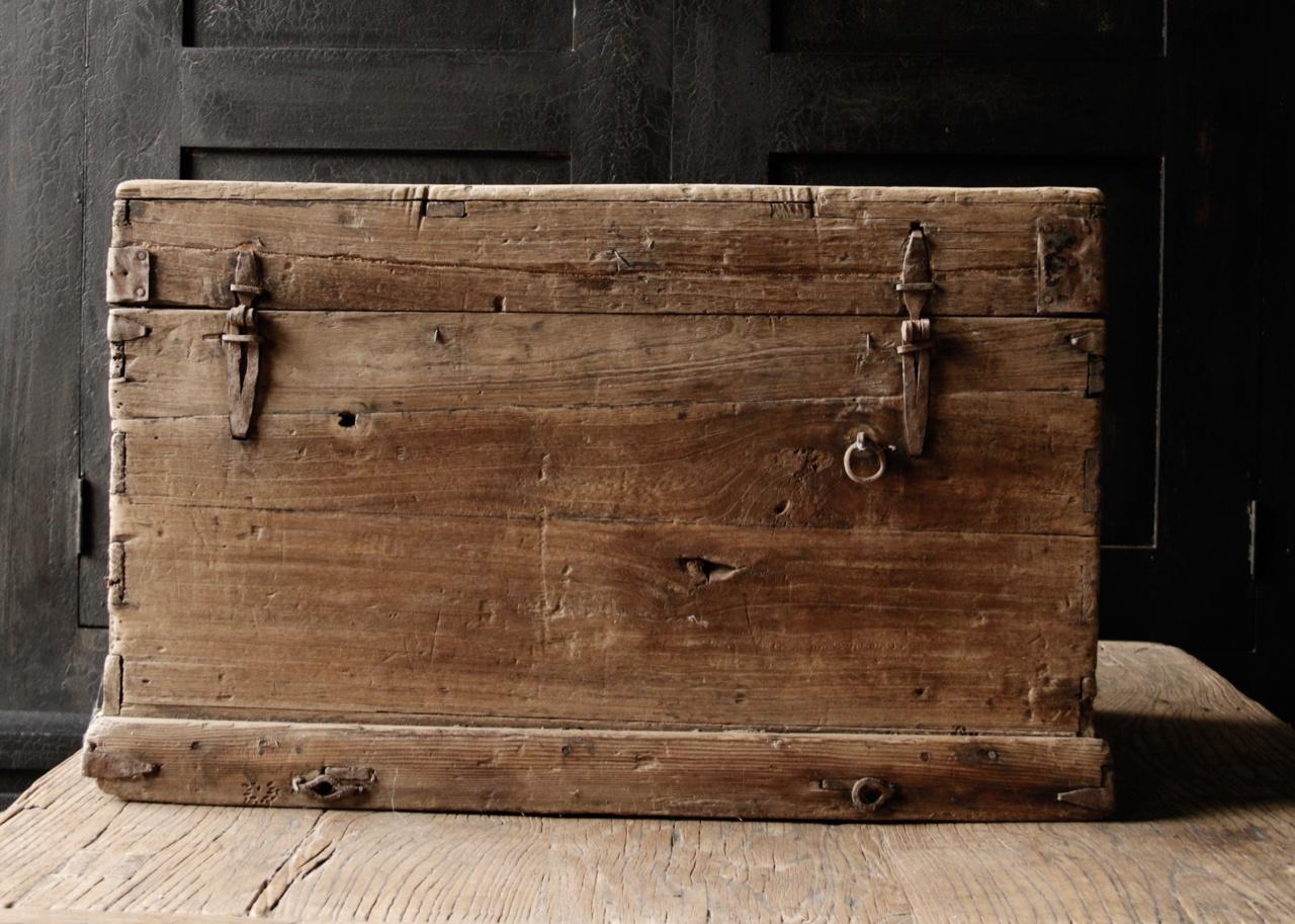 Oude Houten Kisten.Oude Authentieke Houten Kist