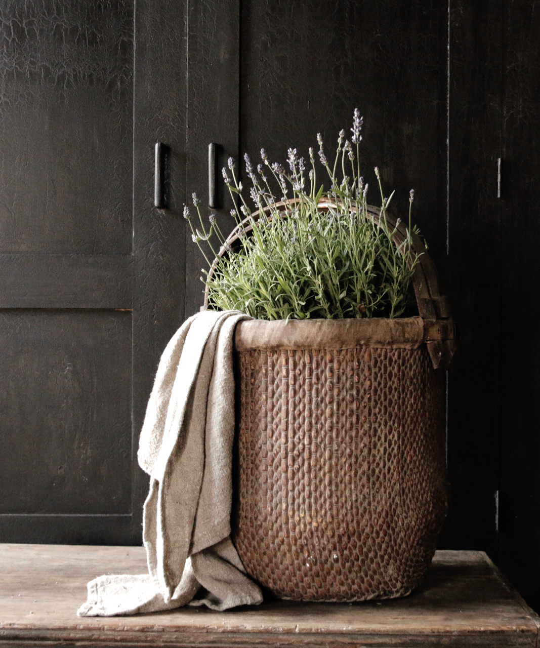 Old Authentic Wicker basket-1