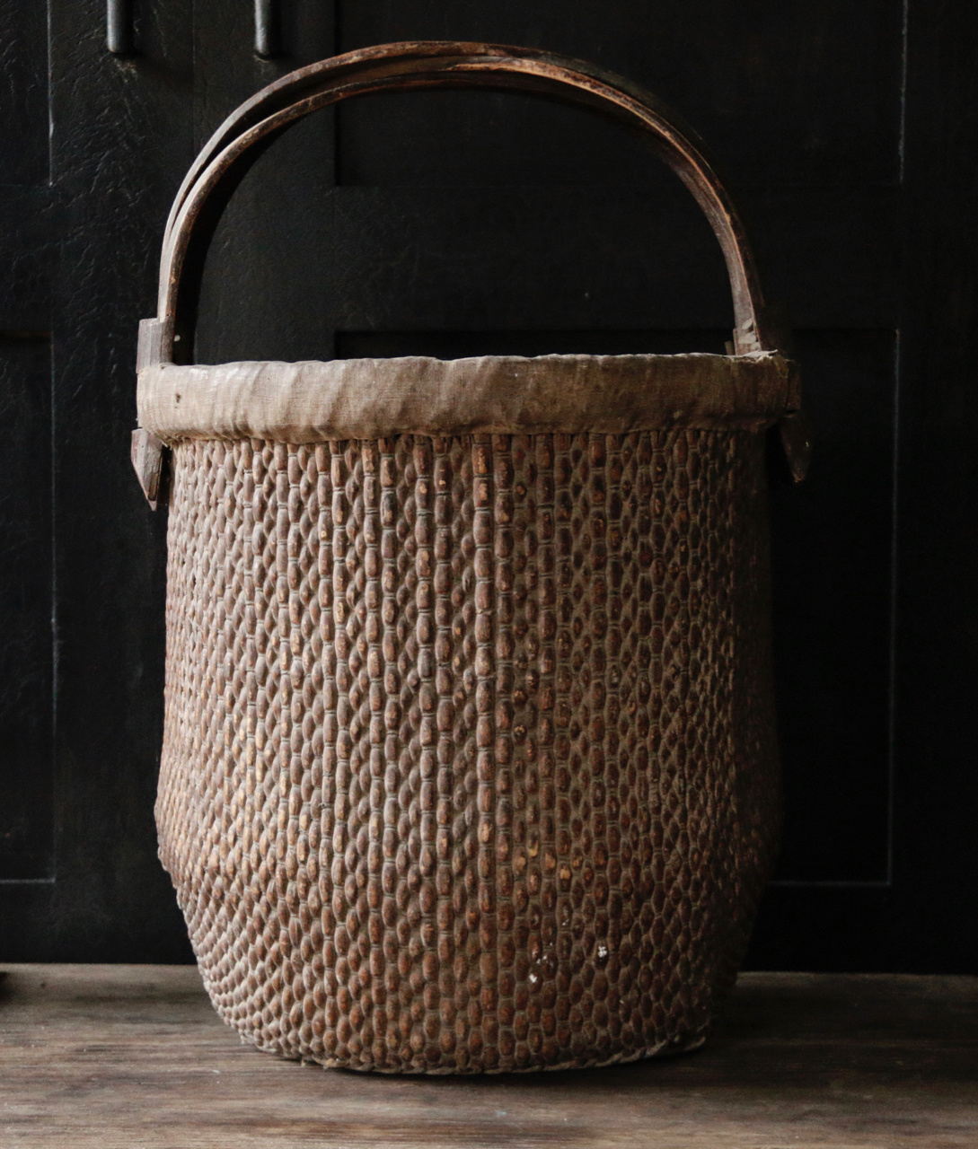 Old Authentic Wicker basket-3