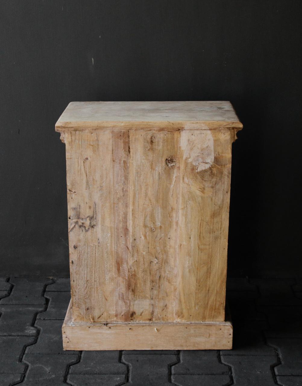 Einzigartiger alter indischer Schrank-7