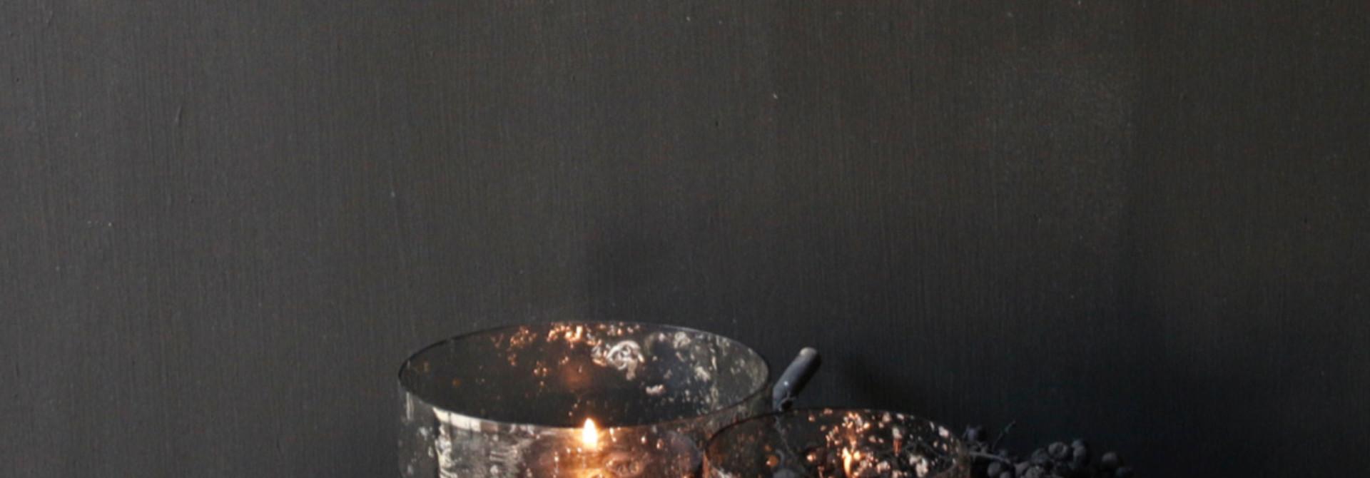 Glaslaternen mit Metallteilen in der Farbe grau