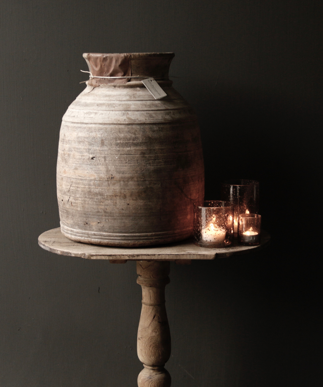 Ovaler Weintisch aus Holz-4