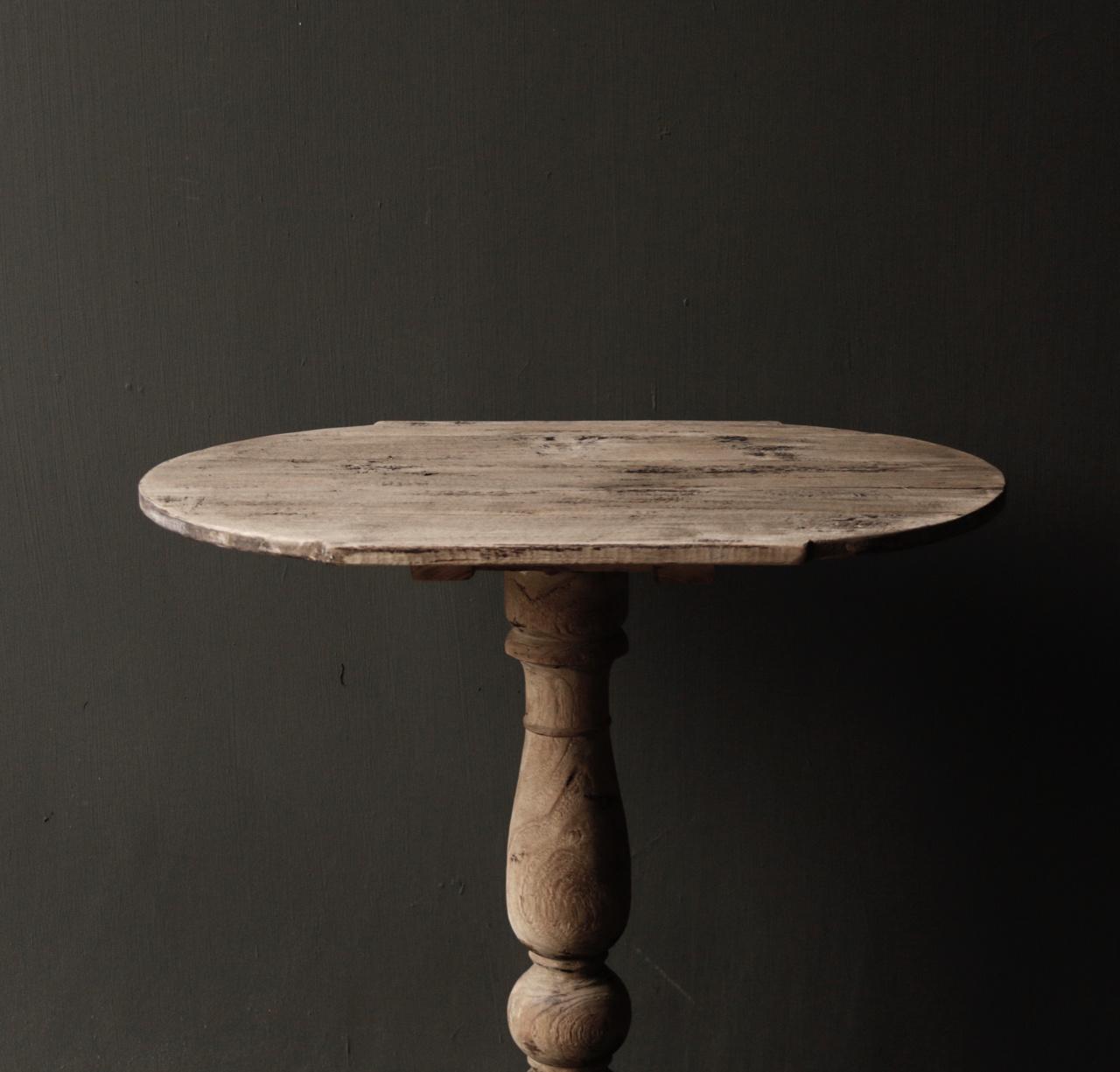 Ovaler Weintisch aus Holz-5