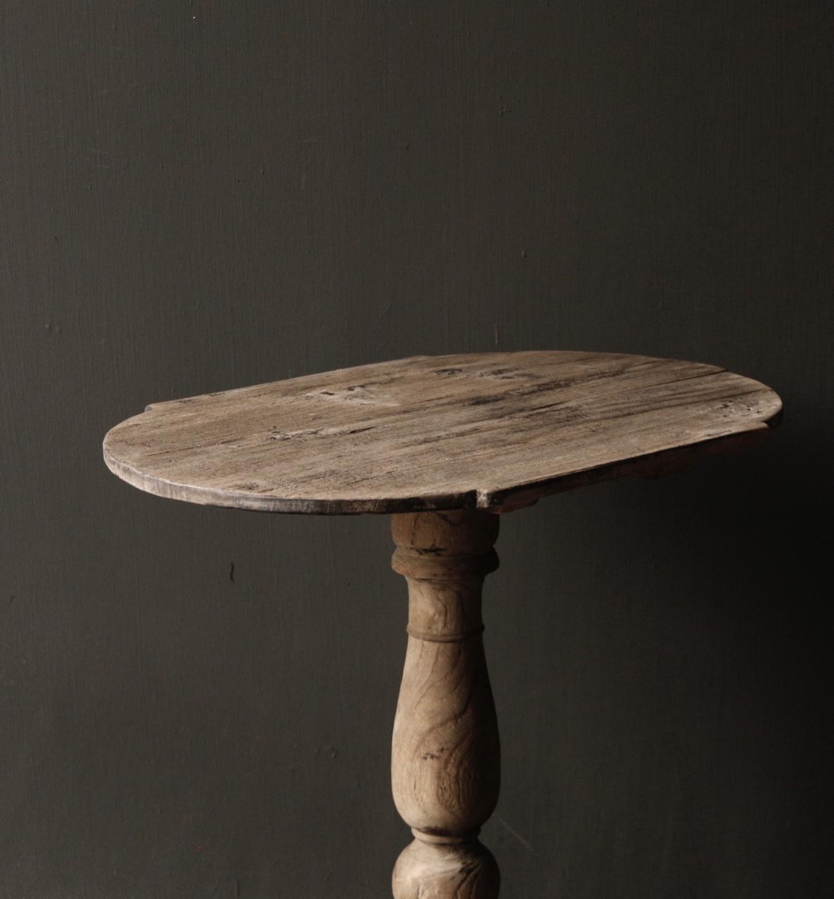Ovaler Weintisch aus Holz-6