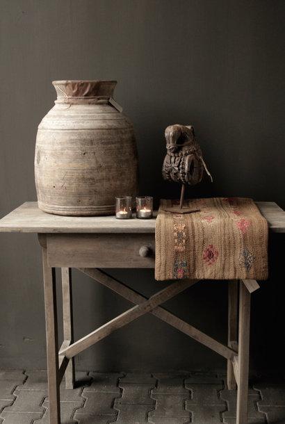 Robuster alter Beistelltisch / Wandtisch aus altem Holz mit einer Schublade