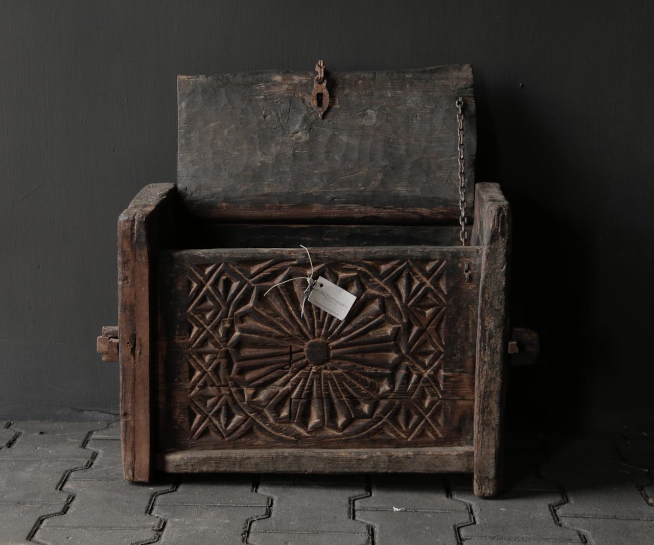 Harte alte Himalaya-Box / Box-2