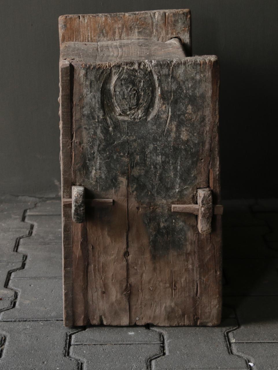 Tough old Himalayan box / box-5