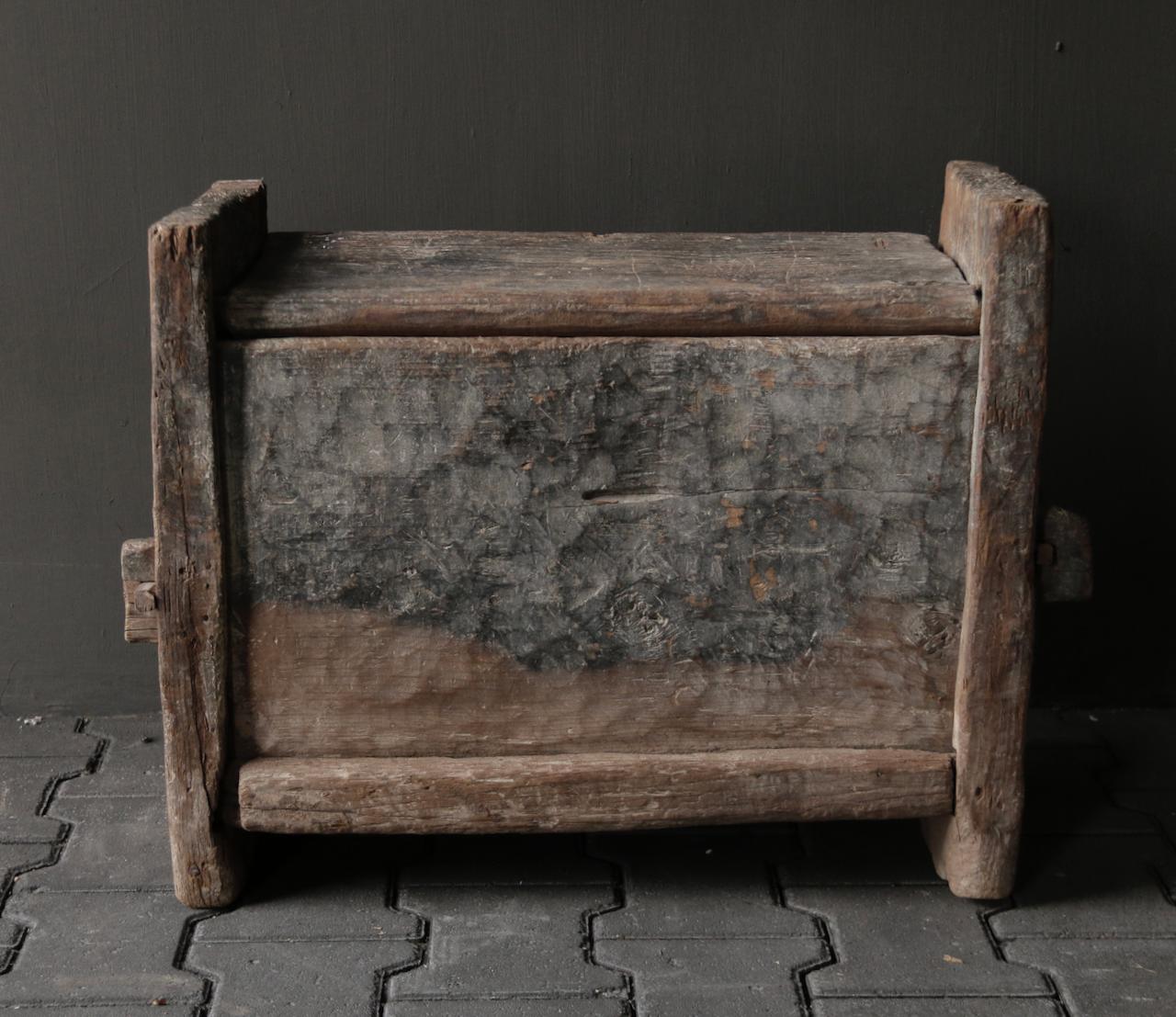 Tough old Himalayan box / box-8
