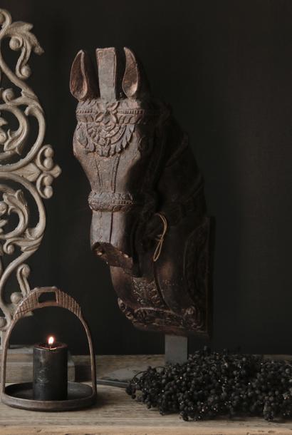 Prachtig uniek houten paarden hoofd  op ijzeren standaard