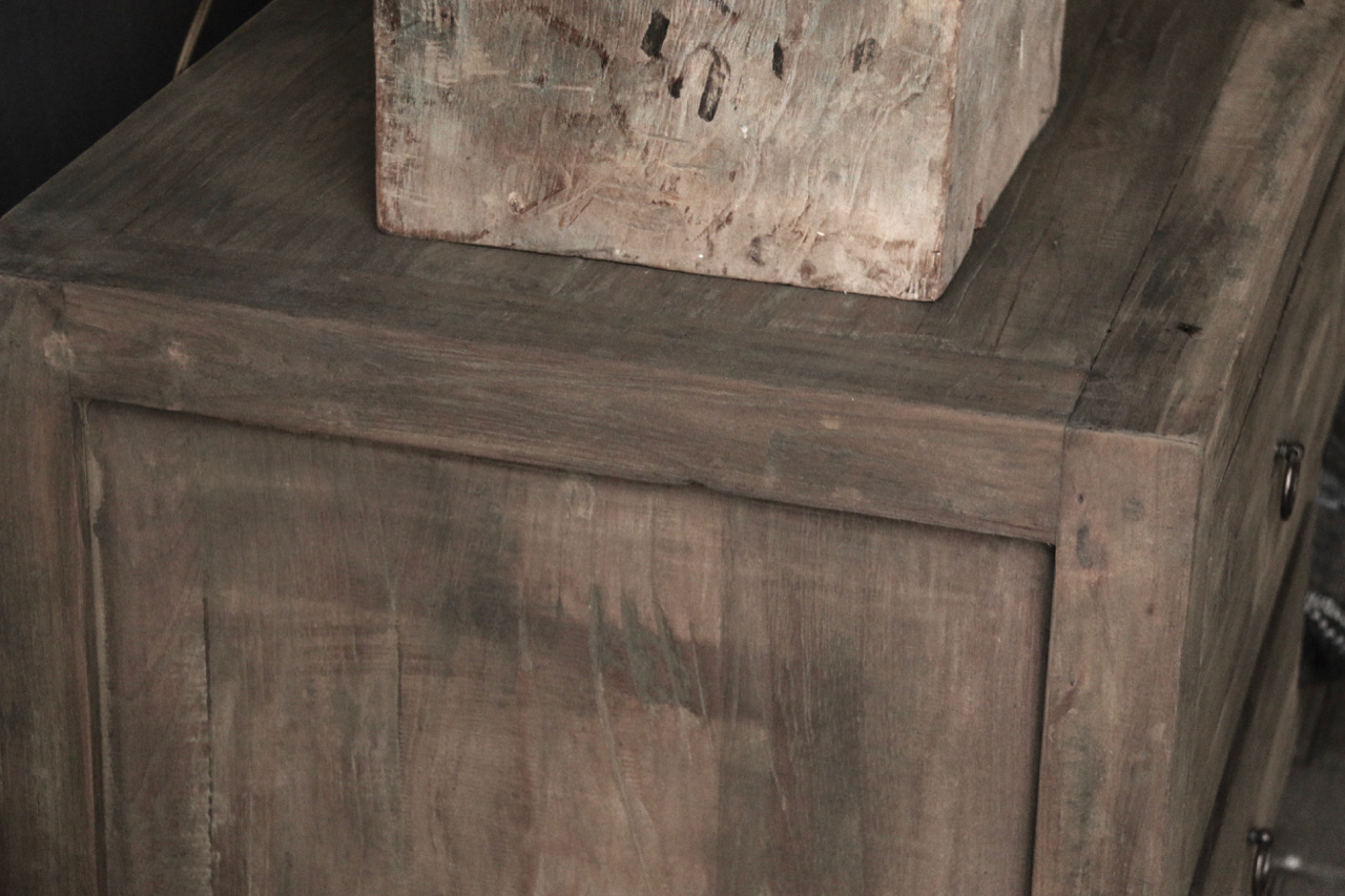Tough TV Möbel / Sideboard aus altem Holz-3