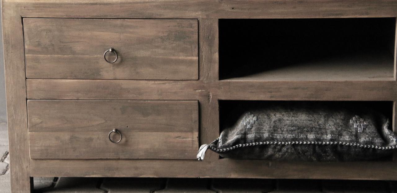 Tough TV Möbel / Sideboard aus altem Holz-4