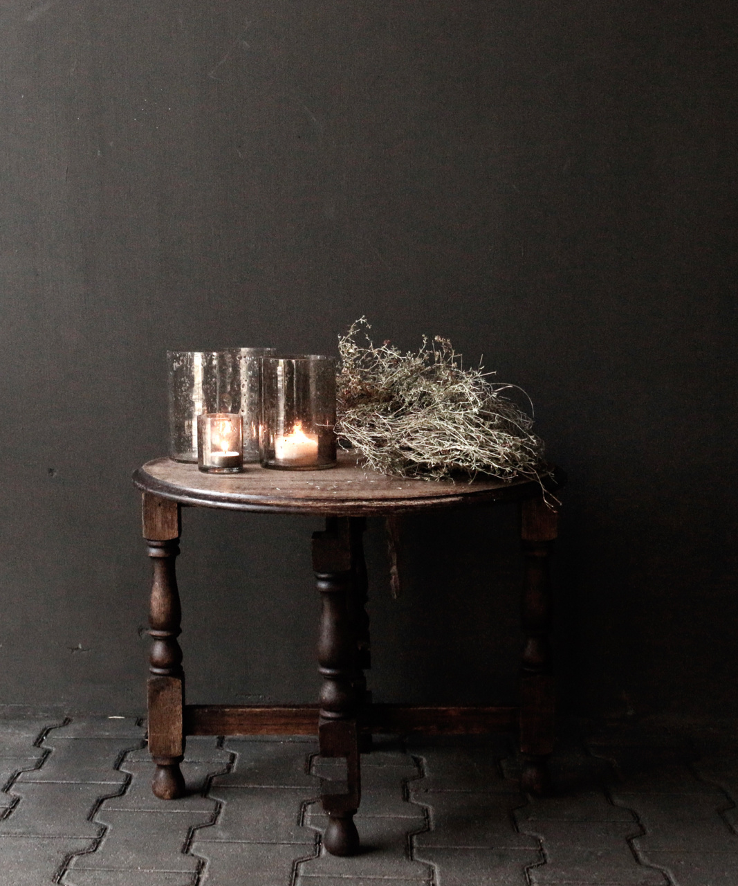 Small old round Salon / Side table-1