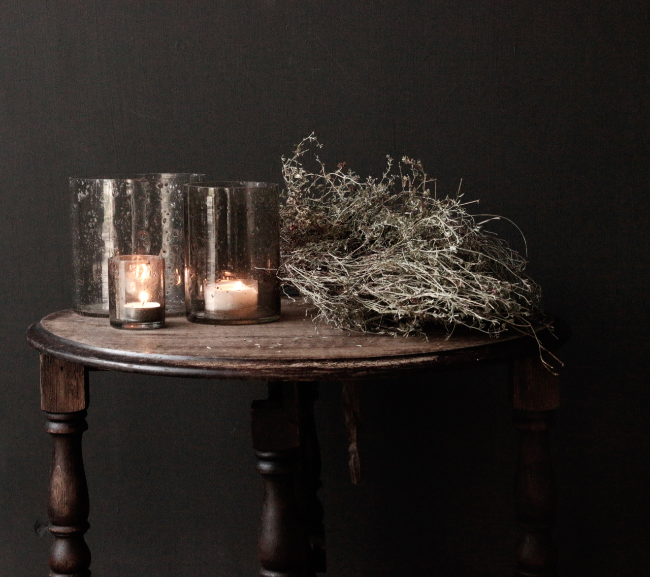 Small old round Salon / Side table-4