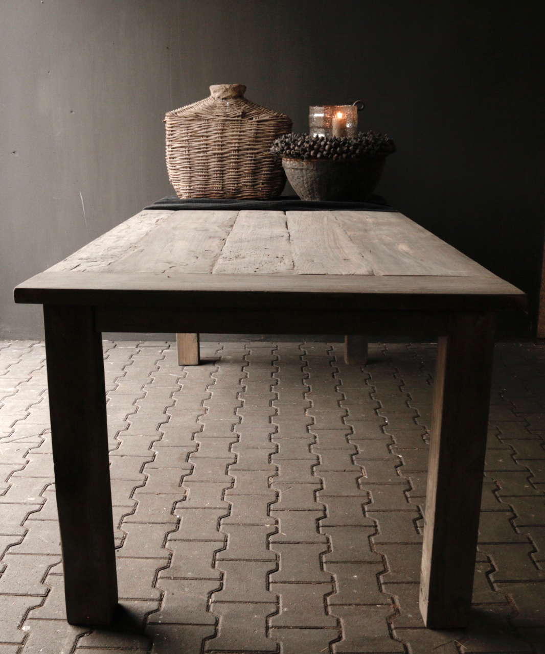 Mooie stoere vergrijsde eetkamer tafel oud hout-1