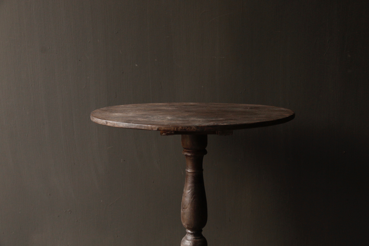 Dark wooden wine table with oval top-3