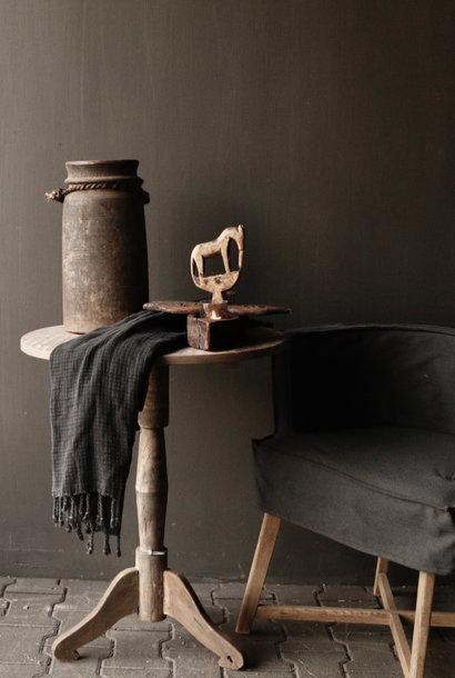 Oud Uniek Ovaal houten Wijntafeltje