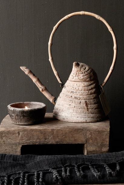 Einzigartige antike Bambusteekanne