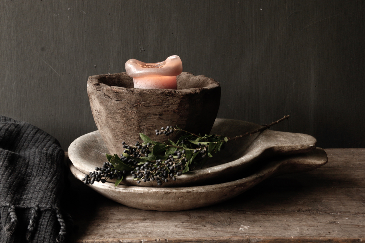 Marble bowl with handle-4