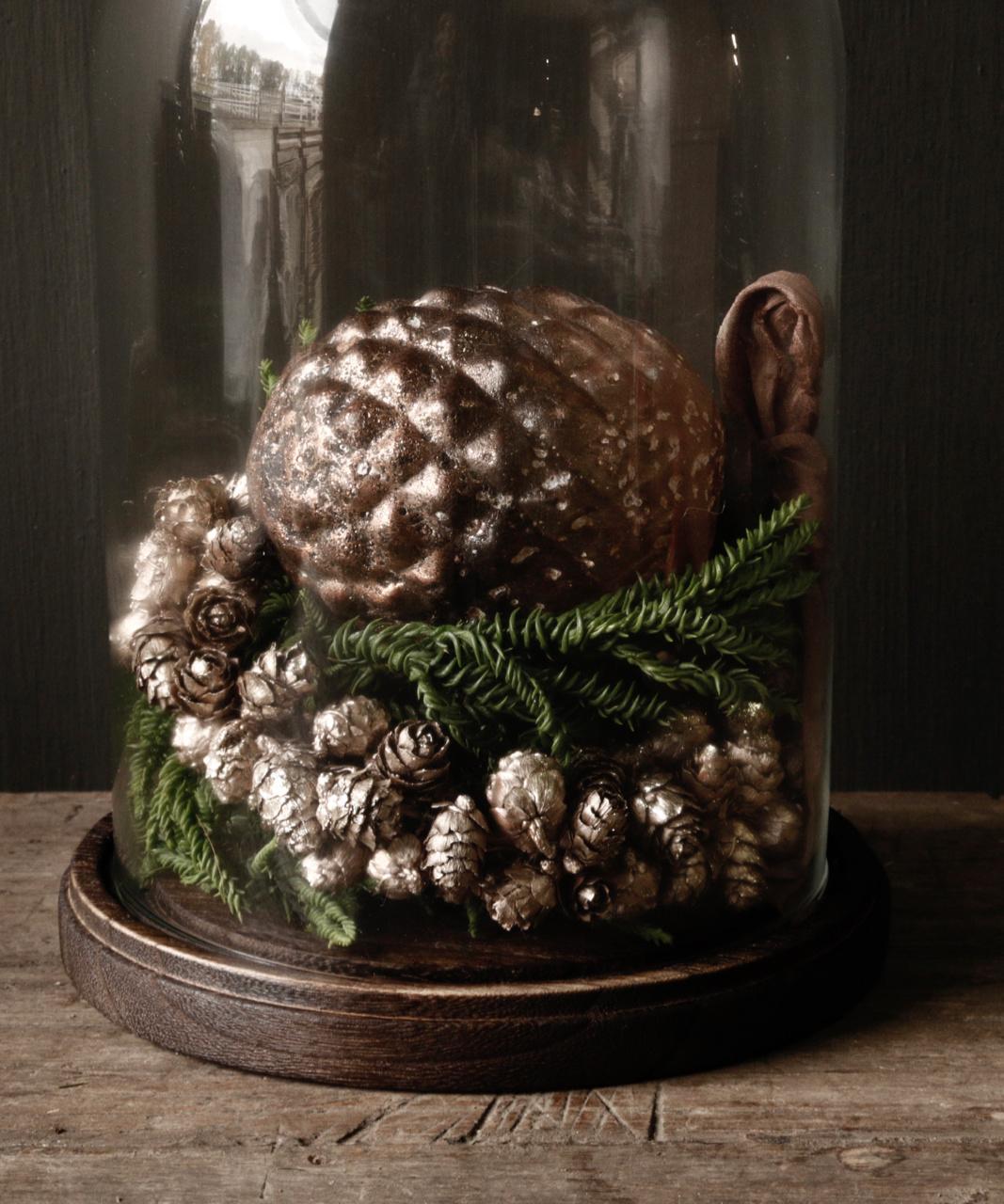 bronze colored pine apple wreath-2