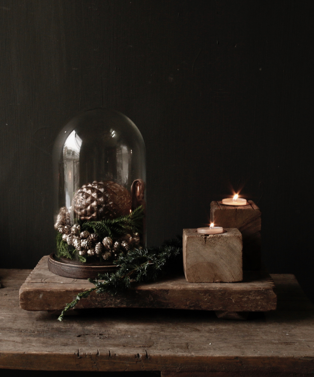 bronze colored pine apple wreath-3