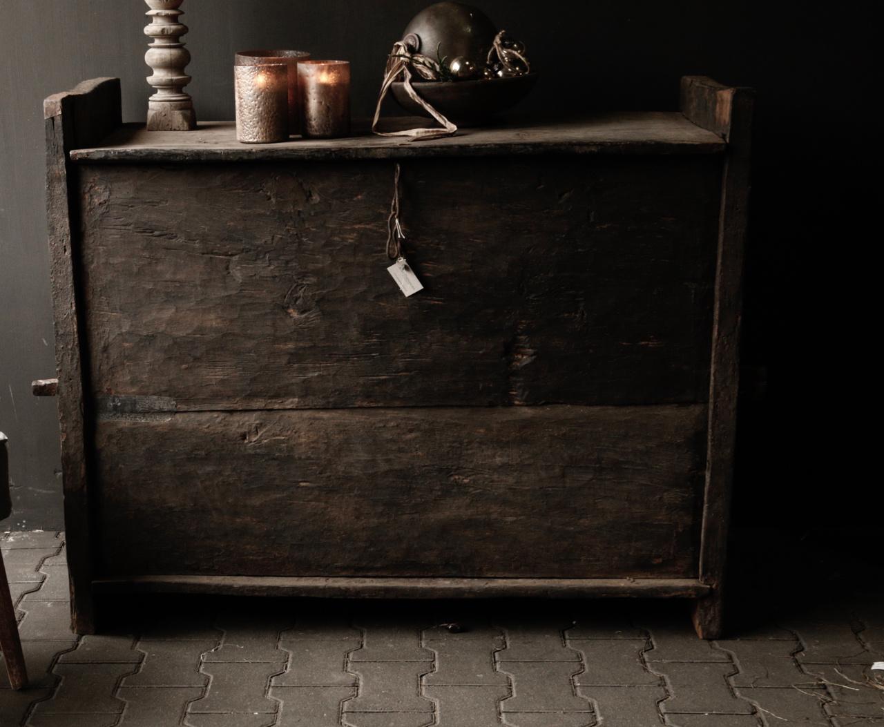 Stoere oude Himalaya   Kist / Box-2