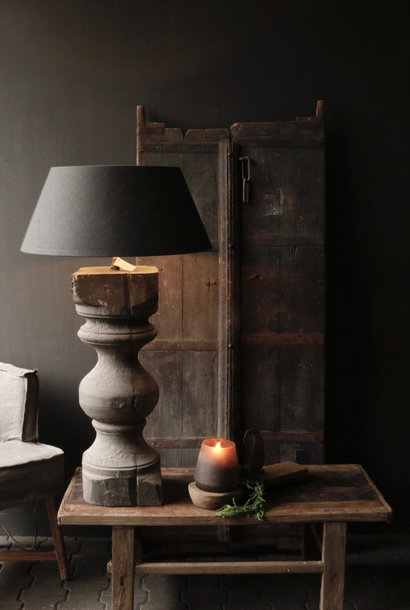 RESERVIERTSchöner alter Lampensockel aus Holz von Authentic Baluster XL
