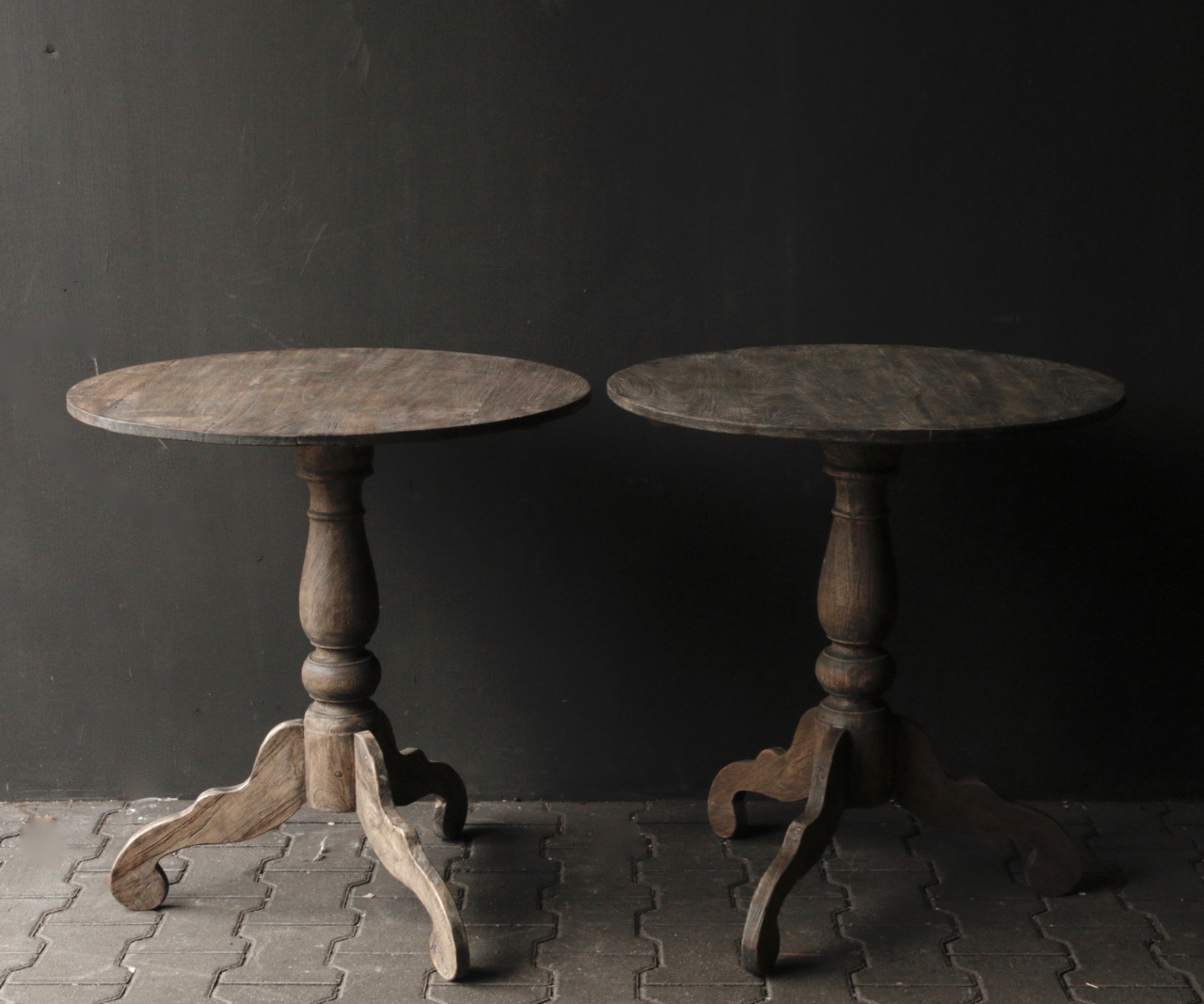 Wooden wine table-2