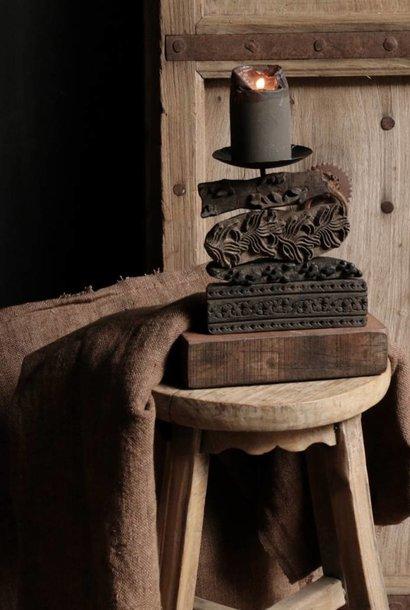Houten Batik stempel kandelaar *Ze zijn er weer *