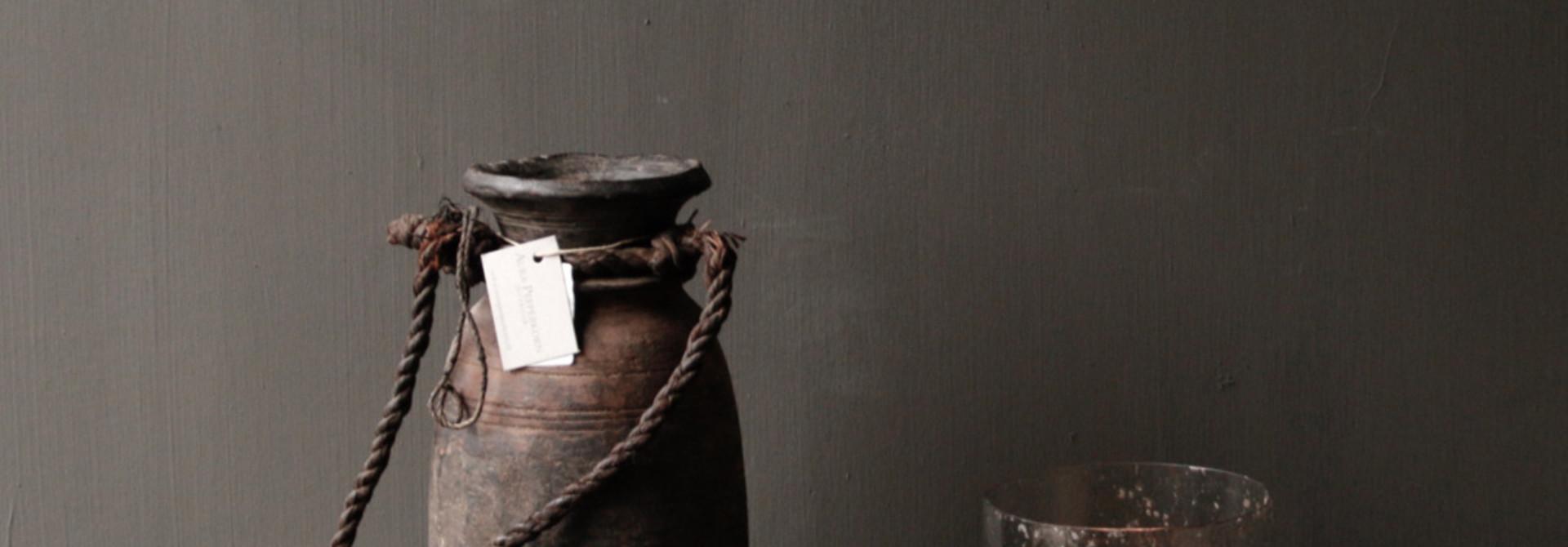 Authentisches altes Holztablett