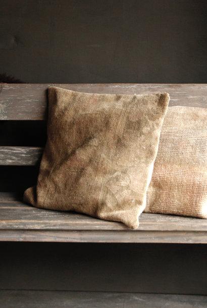Schönes einzigartiges Kissen des alten Teppichs